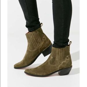 NWT UO Suede Olive Western Cowboy Ankle Boot